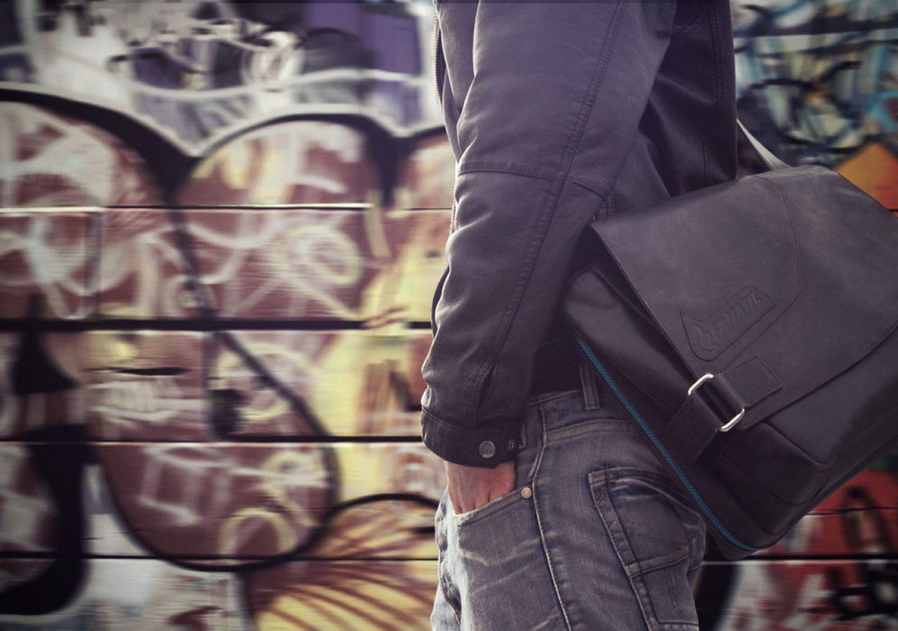 Jüscha Messenger Bag
